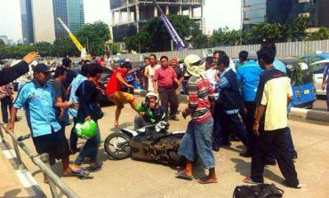 Kisruh Transportasi : Kepentingan Rakyat Atau Pemodal